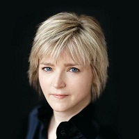 Photo of Karin Slaughter